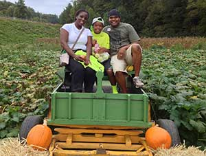 Pumpkin Patch and Pick your own pumpkins at the Red Apple Barn 